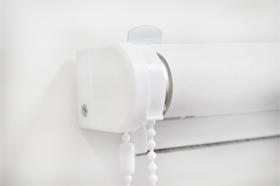 крепление рулонной шторы стандарт на стену